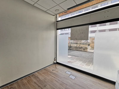 Local commercial Oyonnax 117 m2