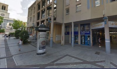Local commercial Oyonnax  101 m2